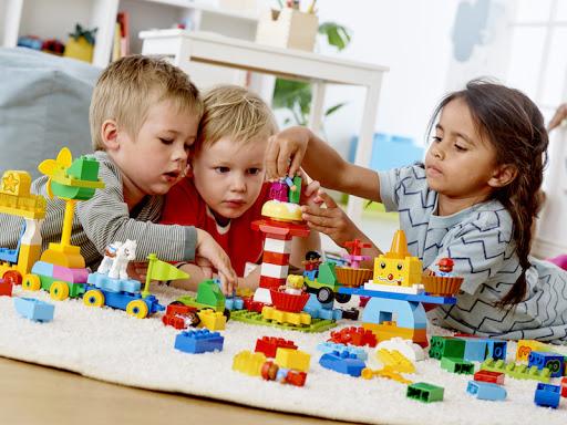 Rezultat iskanja slik za otroci in igra